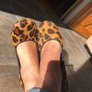 Beautiful real cow fur lines BCBG wedges
